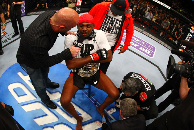 A broken toe didn't slow down Jon Jones in his title win over Chael Sonnen at UFC 159.