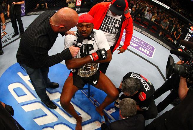 A broken toe didn't slow down Jon Jones in his title win over Chael Sonnen at UFC 159.