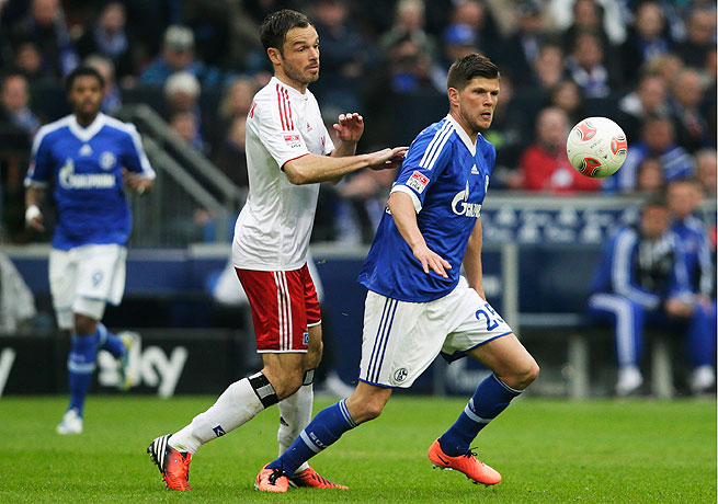 Klaas-Jan Huntelaar (right) netted a hat trick in his first action since being sidelined by injury.