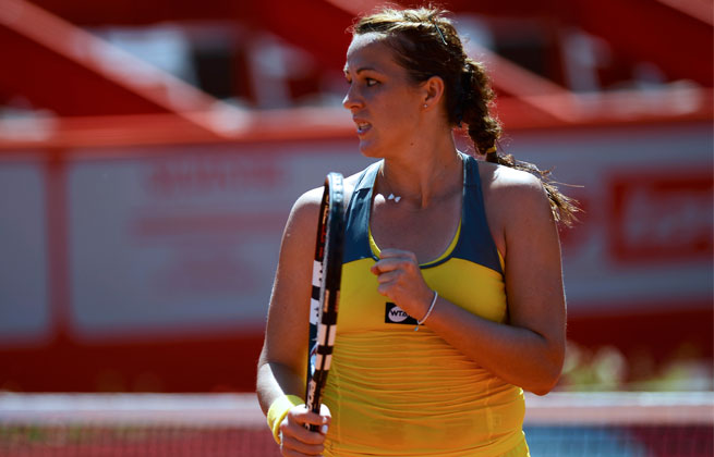 The 21-year-old Russian overcame five double-faults to win her fifth career title.