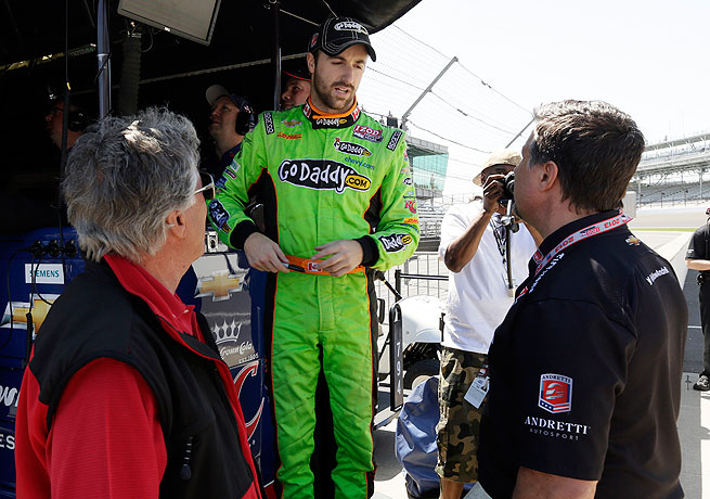 James Hinchcliffe (center) talks with Michael Andretti (right) and Mario Andretti during practice for the Indy 500.