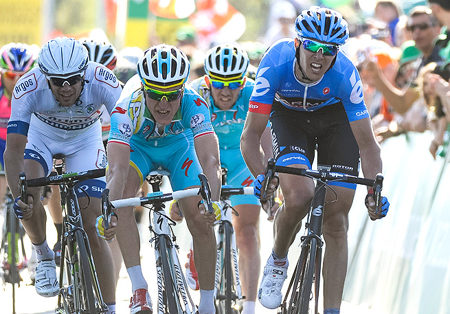 Ramunas Navardauskas (right) claimed the Giro d'Italia's stage 11 in a solo breakaway, as Vincenzo Nibali holds the lead.