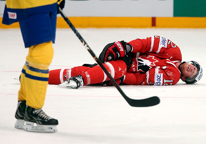 Eric Staal sprained his MCL at the world championships but will probably not miss any NHL games.