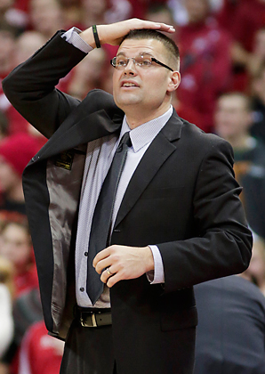 Men's basketball coach Brian Wardle was cleared of allegations that he was abusive toward his players at UW-Green Bay.