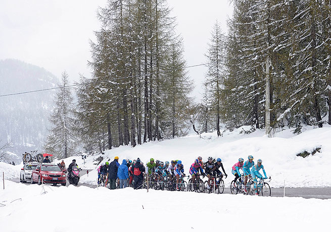 The 20th stage of the Giro d'Italia, won by Vincenzo Nibali, featured a steep ascent and lots of snow.