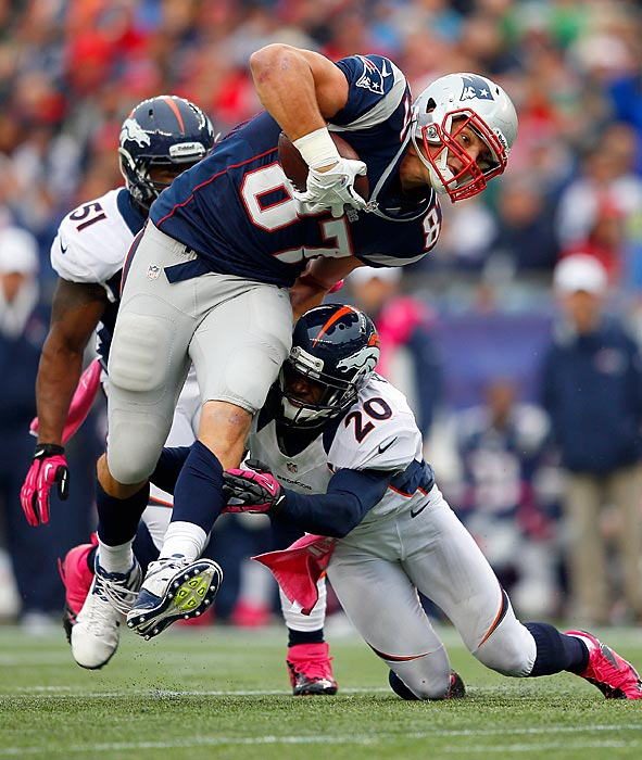 After signing the largest contract extension ever for a tight end (six years, $54 million), Gronkowski went back to business for the Patriots in the 2012 season. He scored 10 touchdowns and averaged 74.8 yards per game through the first 10 games of the season.