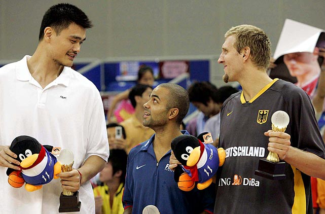 Yao Ming, Parker, and Dirk Nowitzki chat during the award ceremony for the best players of the 2006 Stankovic Continental Champions Cup.