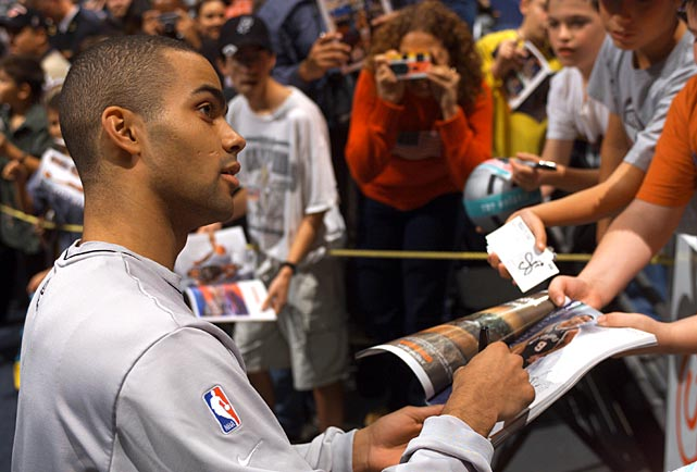 Parker quickly became a fan favorite in his rookie season with the Spurs.