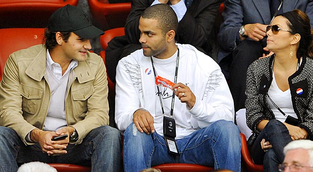 Swiss tennis player Roger Federer talks with Parker prior to the kick off of the Euro 2008 Championships Group C football match between France and Italy at the Letzigrund stadium in Zurich.