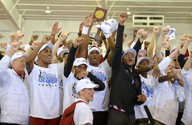 The Arkansas men's track & field team won the national indoor title earlier this year, and hope to follow up with the outdoor title.