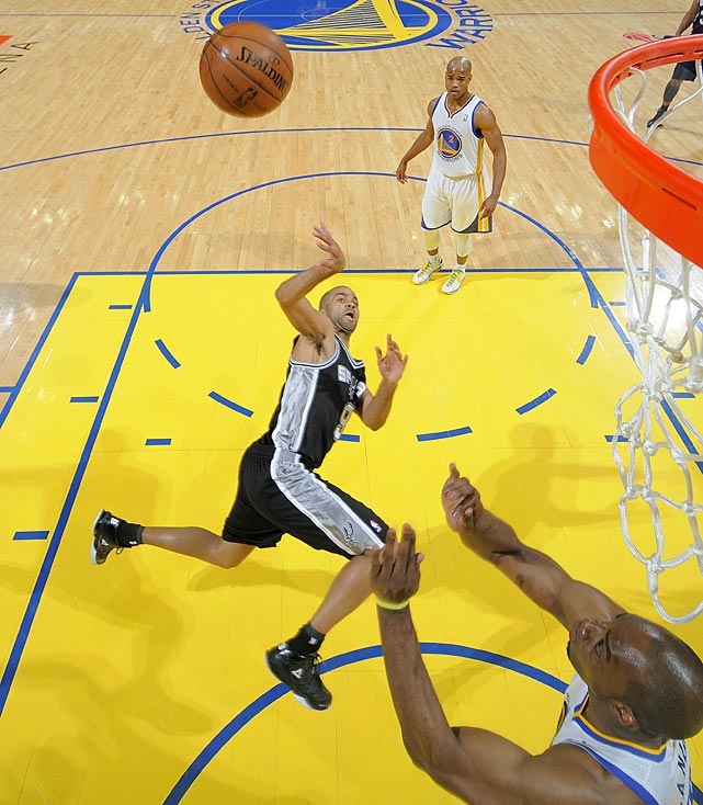 Parker shoots against the Golden State Warriors in Game 3 of the Western Conference semifinals in Oakland.