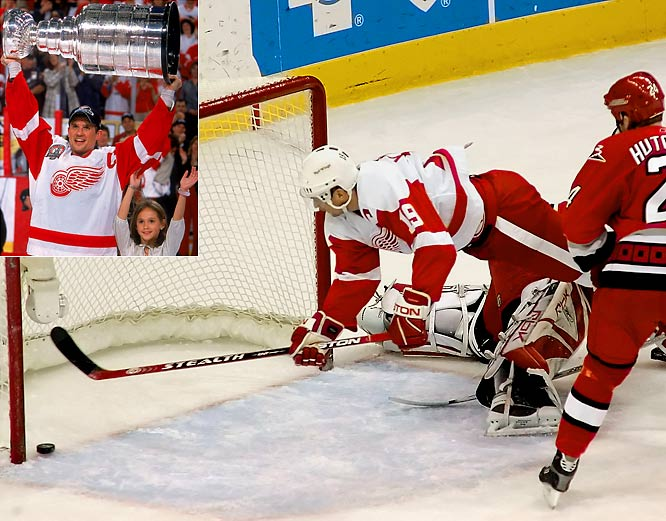 After missing nearly 30 regular-season games, Detroit's intrepid captain returned for the 2002 playoffs and led the Red Wings to their 10th Stanley Cup with a team-high 23 points while playing on a damaged knee that required reconstructive surgery during the offseason and knocked him out of the first 66 games of the 2002-03 campaign.