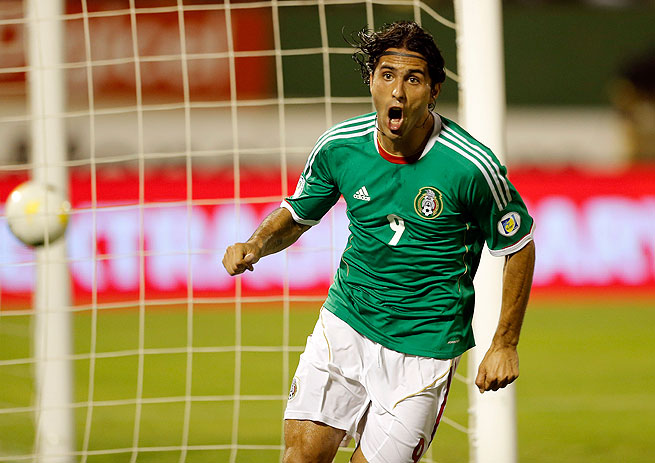 Aldo De Nigris' goal in the second half gave Mexico the first victory of its World Cup qualifying campaign.
