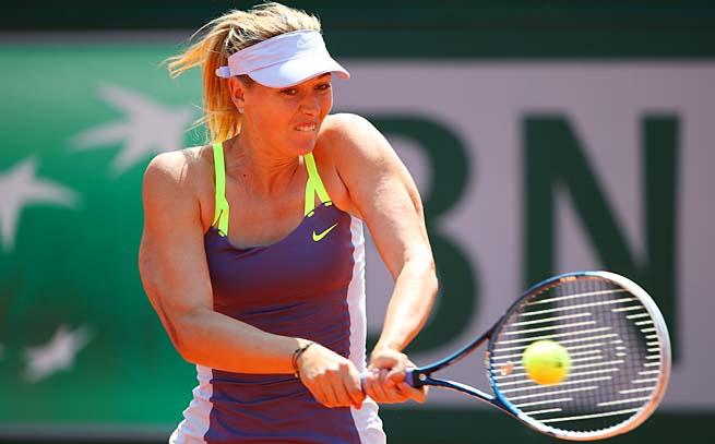 No. 2 Maria Sharapova will face No. 3 Victoria Azarenka in the semifinals.