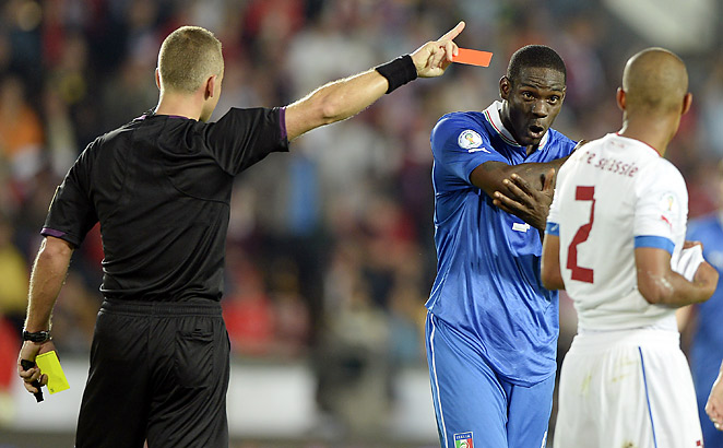 Mario Balotelli received a red card in Italy's scoreless draw with the Czech Republic.