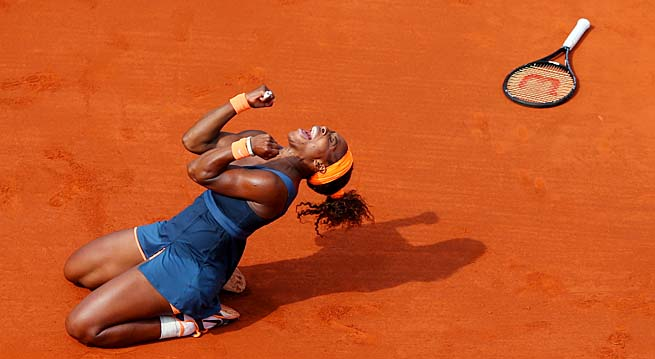 Serena Williams, 31, became the oldest French Open women's champion in the Open Era.