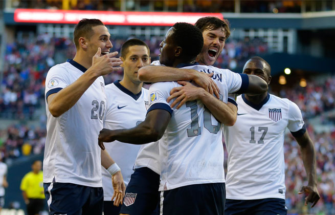 Edde Johnson's (center) goal to give the U.S. a 2-0 lead was the final blow in a win over Panama.