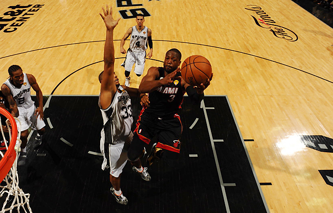 After averaging 14.3 points through three Finals games, Dwyane Wade had 32 in Miami's Game 4 win.