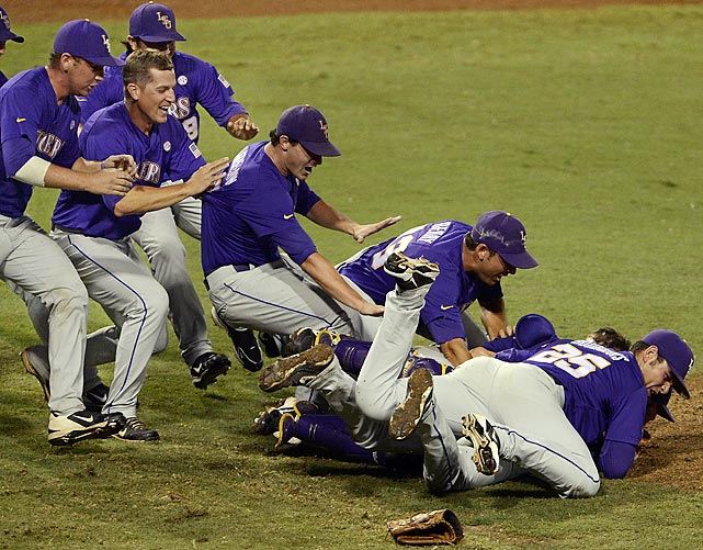 Splendor in the grass after LSU its tournament super regional game with Oklahoma, 11-1, to advance to the College World Series in Omaha, Neb.