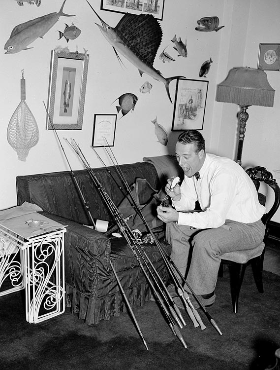 Gehrig prepares for a fishing trip to Lake Ontario in Oct. 1937.
