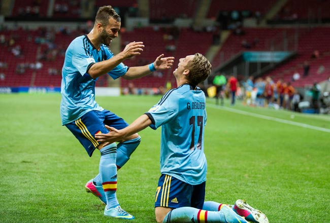 Gerard Deulofeu (right) celebrates after scoring Spain's second goal against the U.S. in the first half.