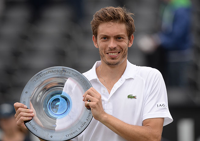 Nicolas Mahut completed his comeback from injury with his first career ATP title in Rosmalen.