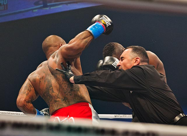 Much to everyone's surprise, the referee stopped the fight within 19 seconds of its start.