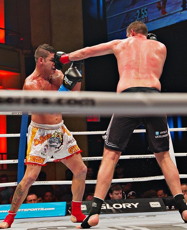 Filip Verlinden (red tape) vs. Steve Mckinnon