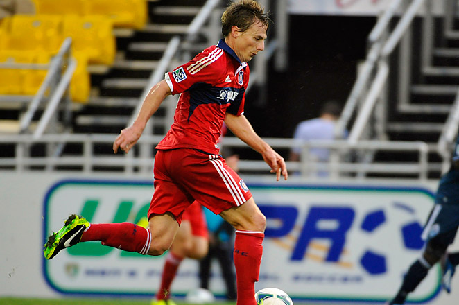 Chris Rolfe scored a late goal in the 84th minute to lead the Fire to a 3-2 victory over San Jose.