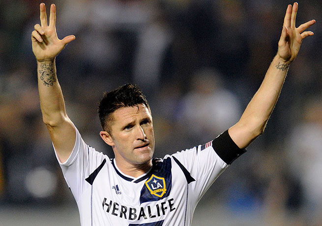 Robbie Keane converted two late penalties to steal a win for the Galaxy against Columbus.