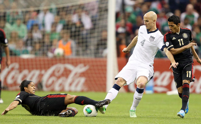 The U.S. and Mexico drew 0-0 during their World Cup qualifier in Mexico City.