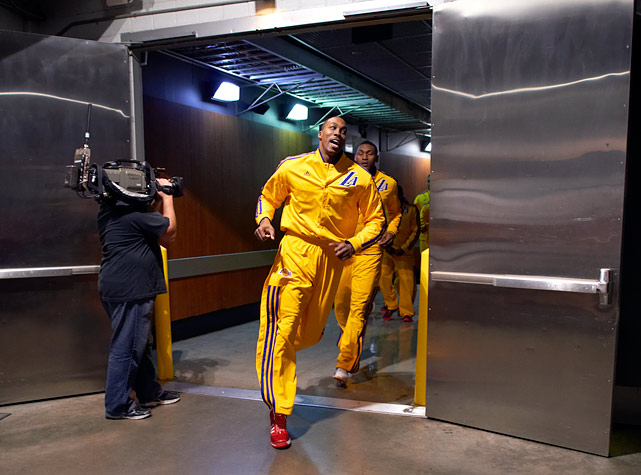 Where is Dwight Howard headed? Houston, Dallas, Atlanta, Oakland, or is he staying put in Los Angeles?