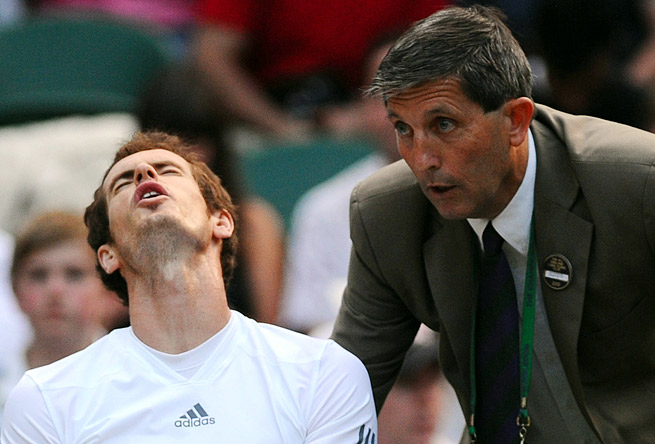 Andy Murray wasn't pleased to learn that the Centre Court roof would be closing during the semifinals.