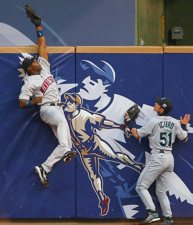 The infamous tie in Milwaukee might have turned out differently had AL center fielder Torii Hunter not robbed Barry Bonds of a home run in the first inning.