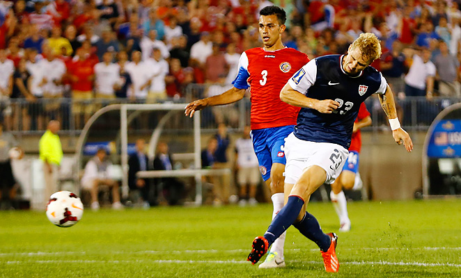 Brek Shea scored the winning goal in the 82nd minute as the U.S. topped Costa Rica in Connecticut.