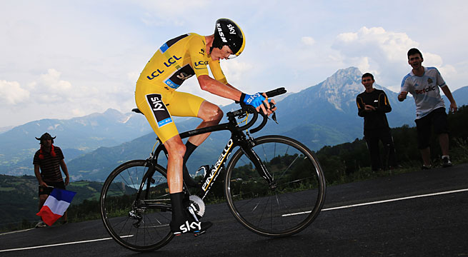 Chris Froome won his third stage of this year's Tour, barely beating Alberto Contador.
