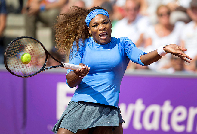 Serena Williams had seven aces in her 6-2, 6-3 victory over Anna Tatishvili.