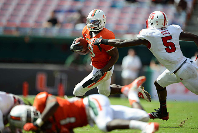 Duke Johnson (8) ran for 947 yards and 10 touchdowns during his breakout freshman season at Miami.
