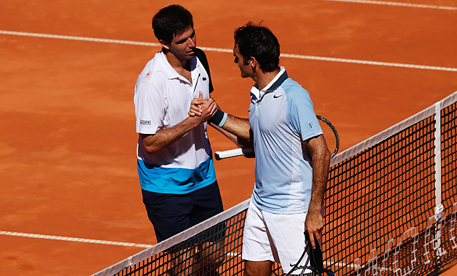 Federico Delbonis (left) scored an upset of Roger Federer in the semifinals of the International German Open.