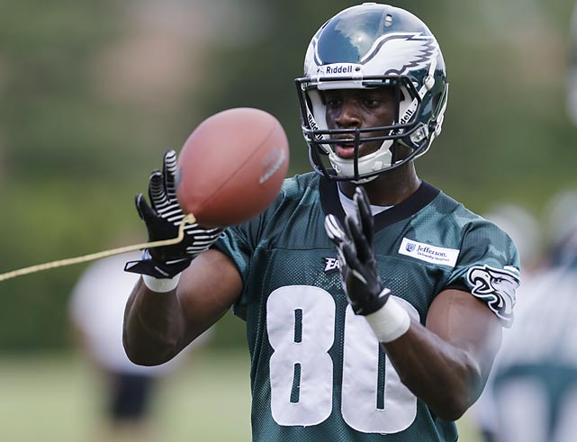 Philadelphia Eagles wide receiver Ifeanyi Momah catches a tethered ball.
