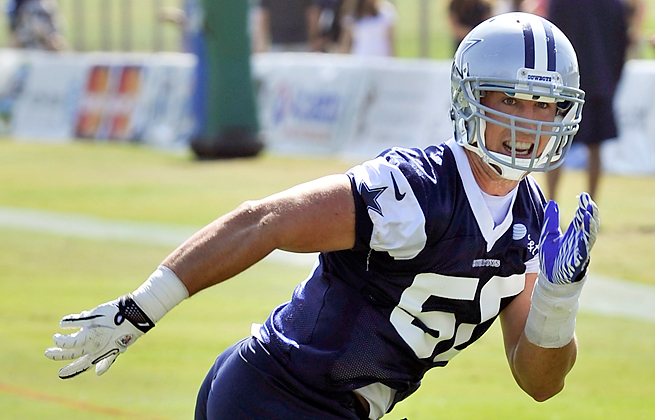 Healthier and lighter than last season, Sean Lee will quarterback the Cowboys' defense this season.