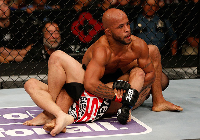 Demetrious Johnson subdued flyweight challenger John Moraga with an armbar in the fifth round.