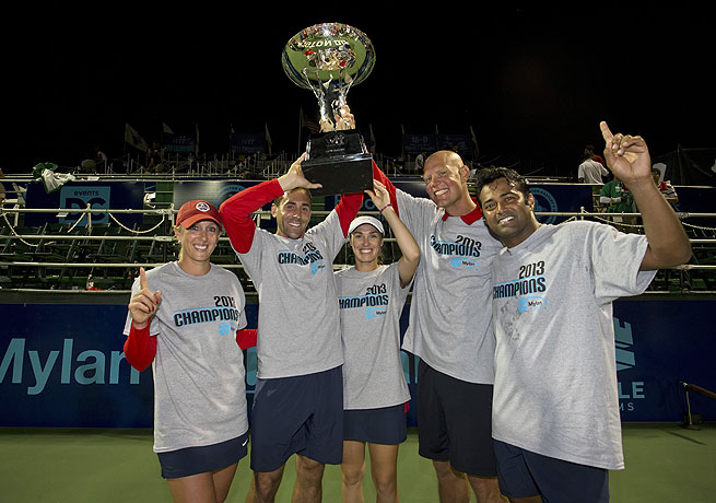 Martina Hingis (center) won three matches to help lift the Kastles to the World TeamTennis title.