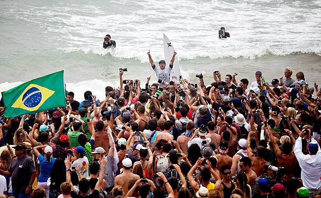 Alejo Muniz celebrated his victory in the U.S. Open of Surfing before things got out of hand.