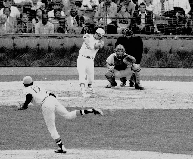 Jackson's pinch hit two-run homer in the 1971 All-Star Game that hit the light tower of Tiger Stadium in Detroit is believed to be one of the longest home runs ever hit, estimated at over 530 feet.