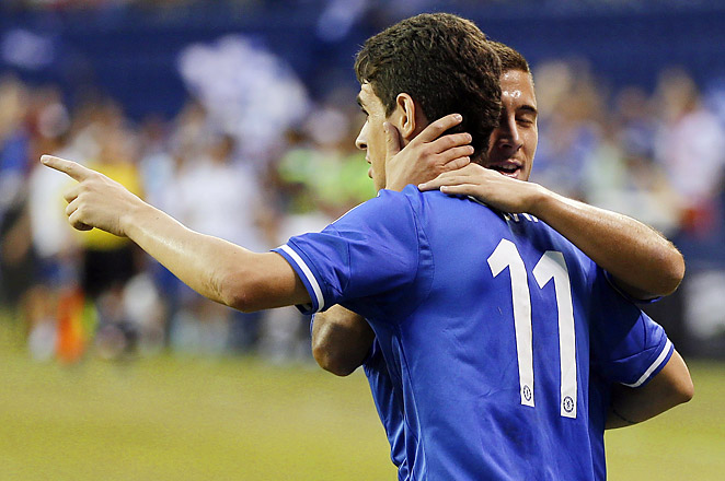 Chelsea's Oscar (#11), along with Eden Hazard, each scored a goal in the first half to beat Inter Milan.
