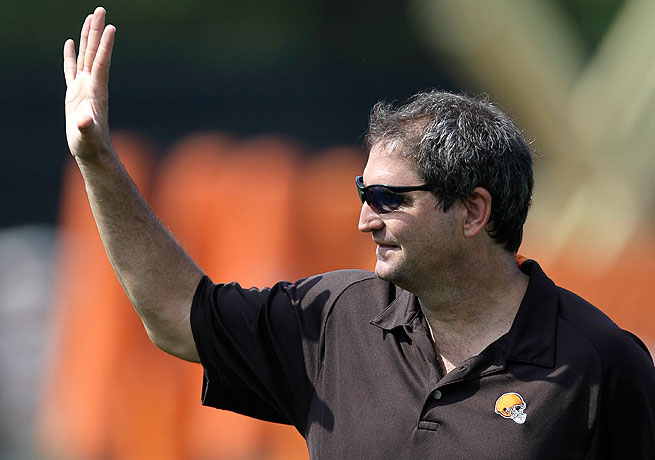 Bernie Kosar played for the Browns from 1985 to 1993 and was named an All-Pro selection in 1987.