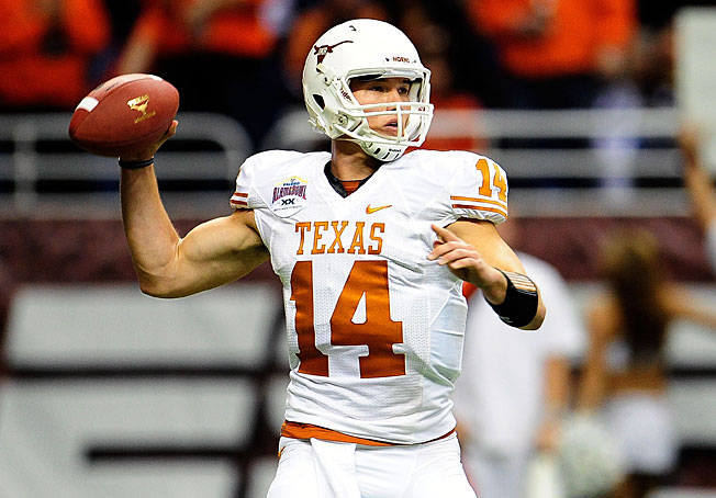 After an inconsistent '12, Texas' David Ash racked up 263 total yards and three TDs in the Alamo Bowl.