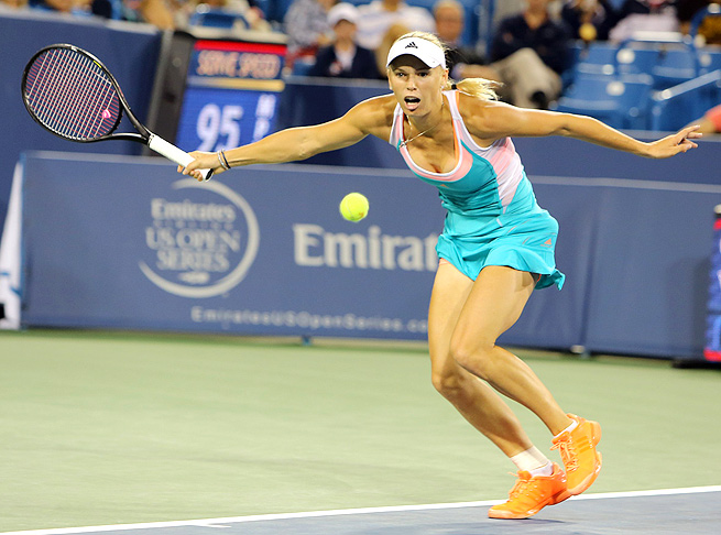 Caroline Wozniacki advanced to the quarterfinals in Cincinnati, where she lost to eventual champion Victoria Azarenka.