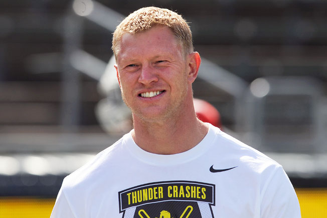 Formerly Oregon's receivers coach, Scott Frost will take over play-calling duties for the Ducks this year.